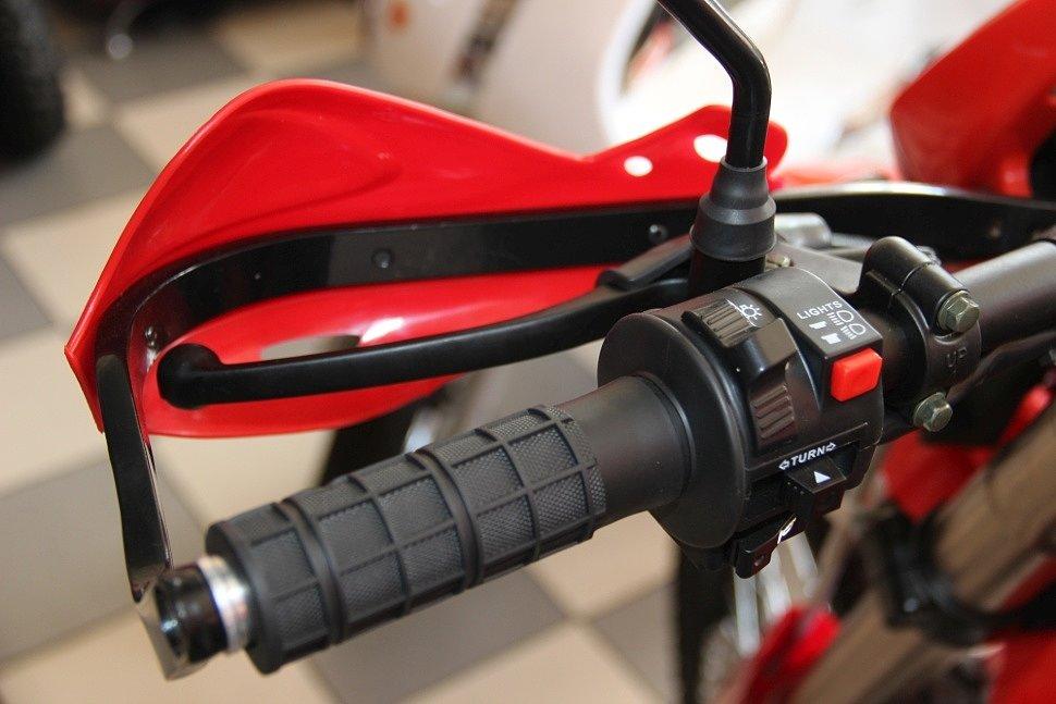 Как установить защиту рук на мотоцикл