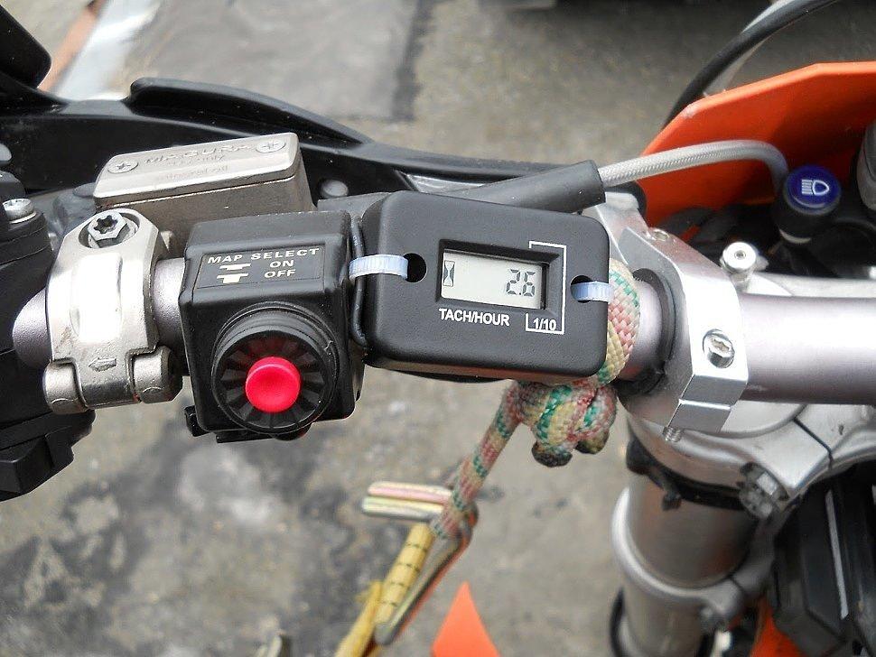 как подключить счетчик моточасов на мотоцикл