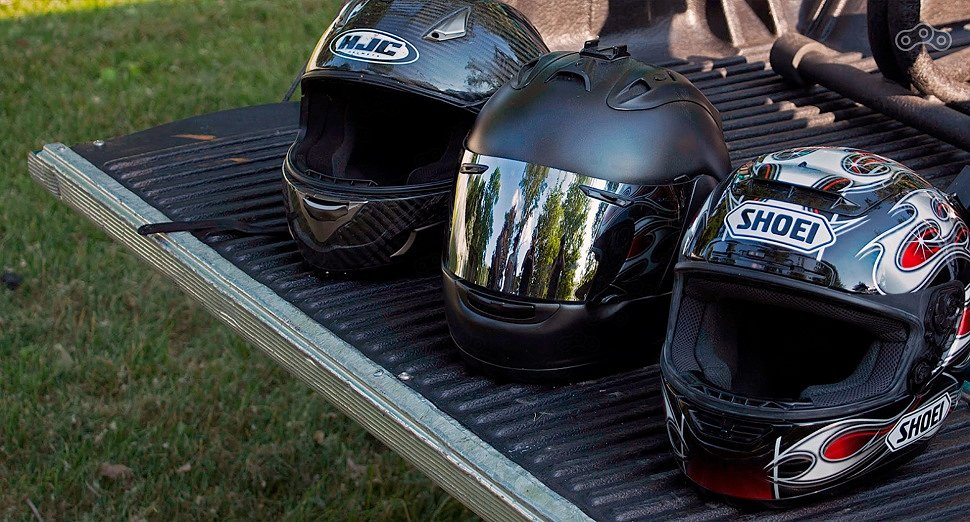 Как выбрать мотоциклетный шлем